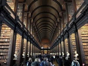 ダブリンにあるアイルランド最古の図書館「トリニティカレッジ図書館」